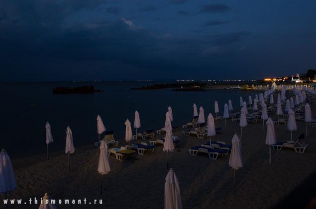 Пляж на рассвете