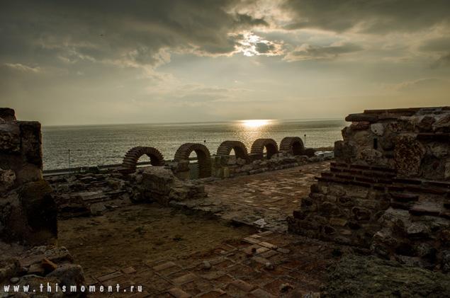 Руины и солнце